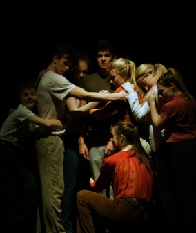 sixth-form-dancers-perform-at-the-point-3-crop